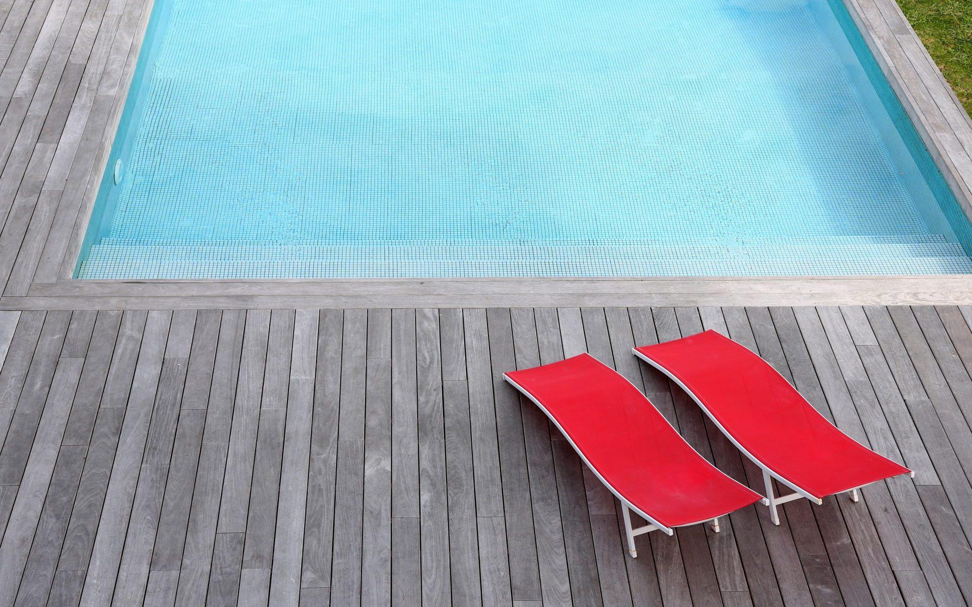 coûts piscine semi-enterrée
